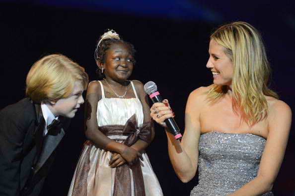 Child actor, Children's Hospital Los Angeles patient and junior Ambassador Max Page, patient Regan Owens, Project Runway host and Noche honoree Heidi Klum