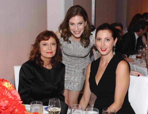 (L-R) Honoree Susan Sarandon, ELLE entertainment director Jennifer Weisel and actress Eva Amurri