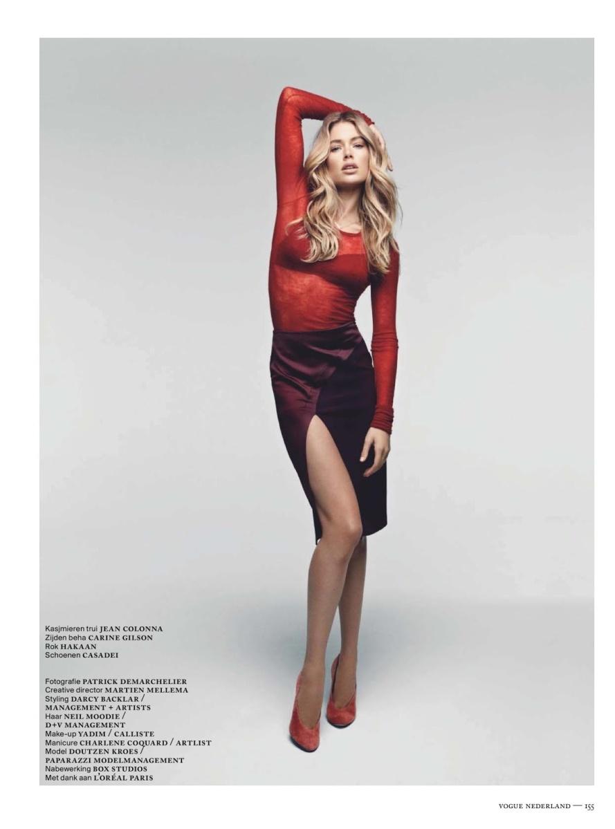 Doutzen Kroes Vogue Netherland Dec 2012 1