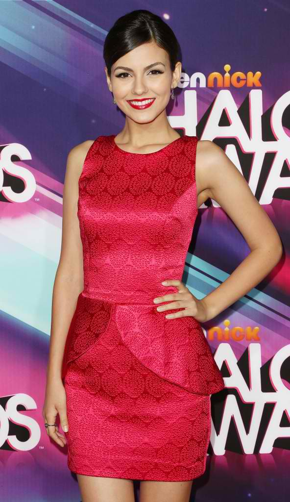 Victoria justice at Halo Awards