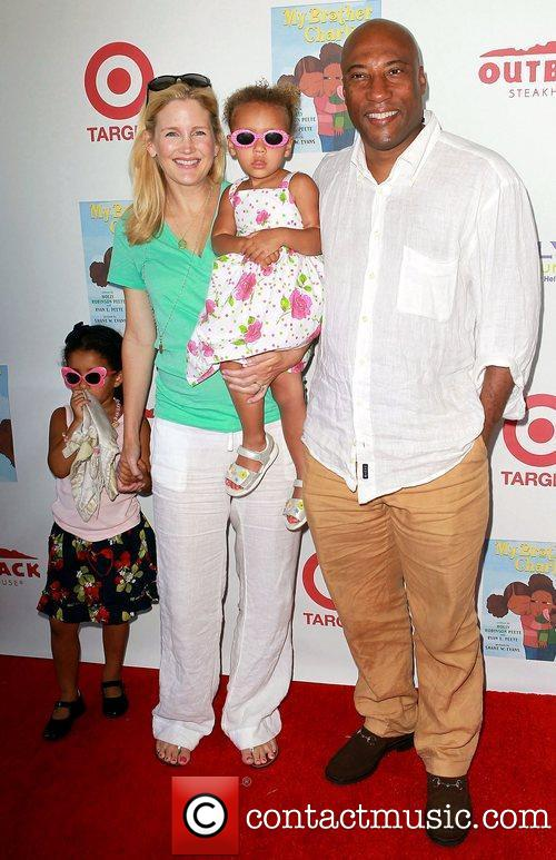 Byron Allen and family