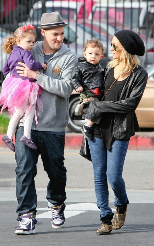 Nicole Richie and family