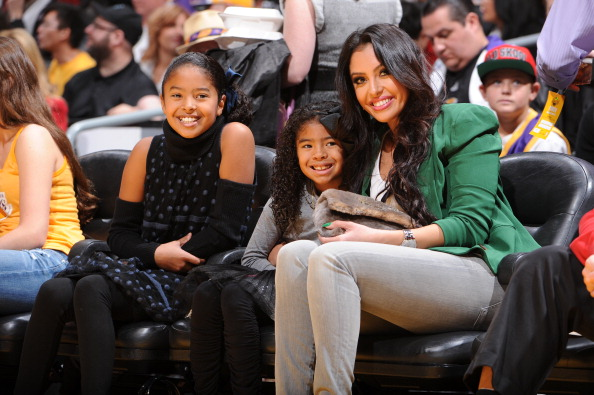 Vanessa Bryant and daughters at New York Knicks v Los Angeles Lakers game Xmas 2012 3