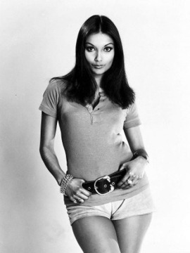 Young Shakira Caine
