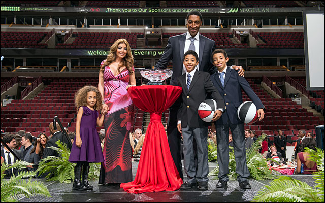 Scottie Pippen and family Annual Charity Dinner jan 2013 12