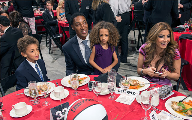 Scottie Pippen and family Annual Charity Dinner jan 2013 8